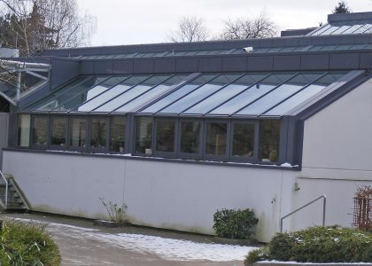 Sonnenschutz Verglasung Firmengebaeude Elbewerkstätten Hamburg